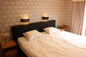 Slaapkamer met 2-persoons boxspring